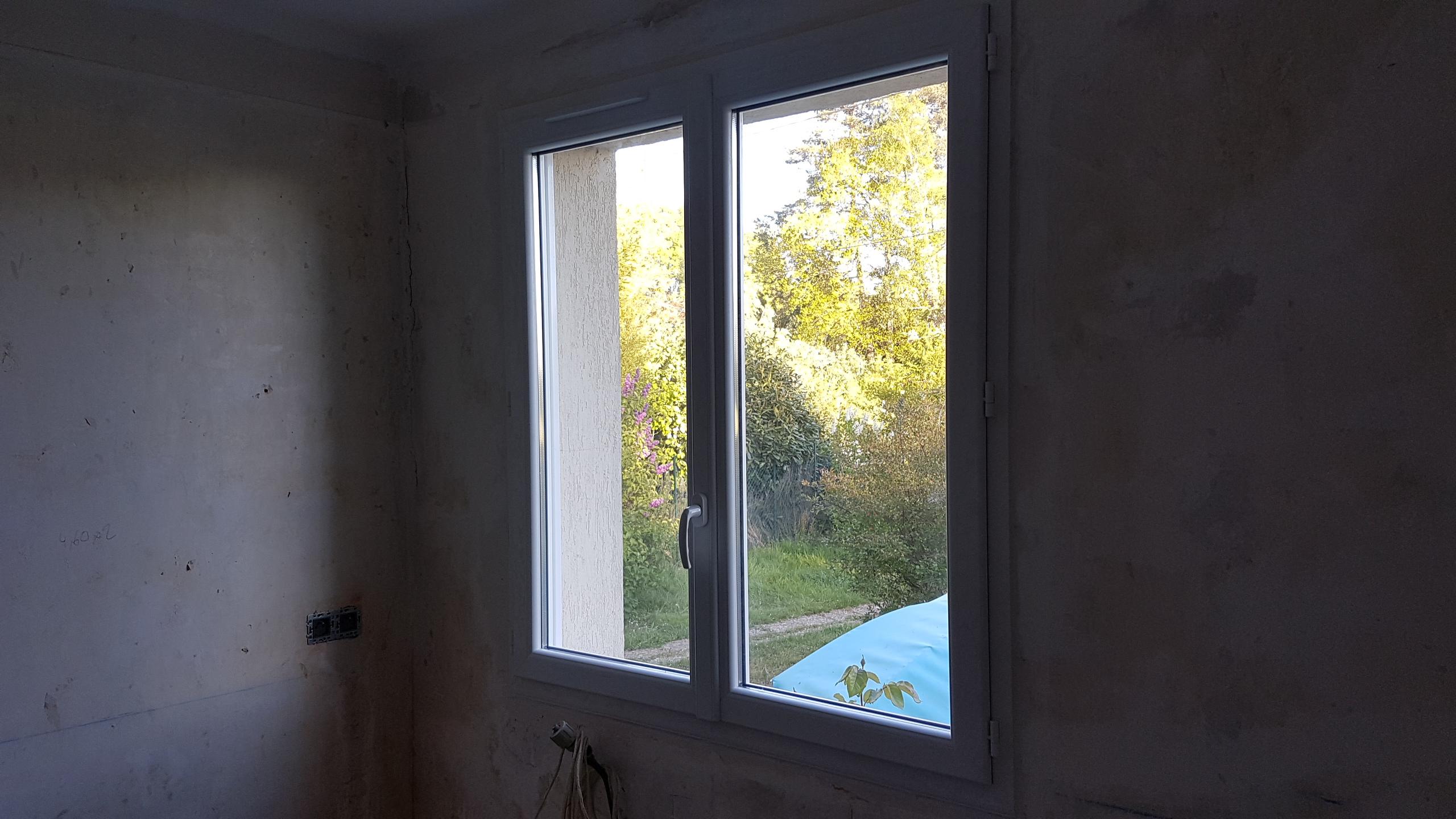 Fenêtre 2 vantaux PVC