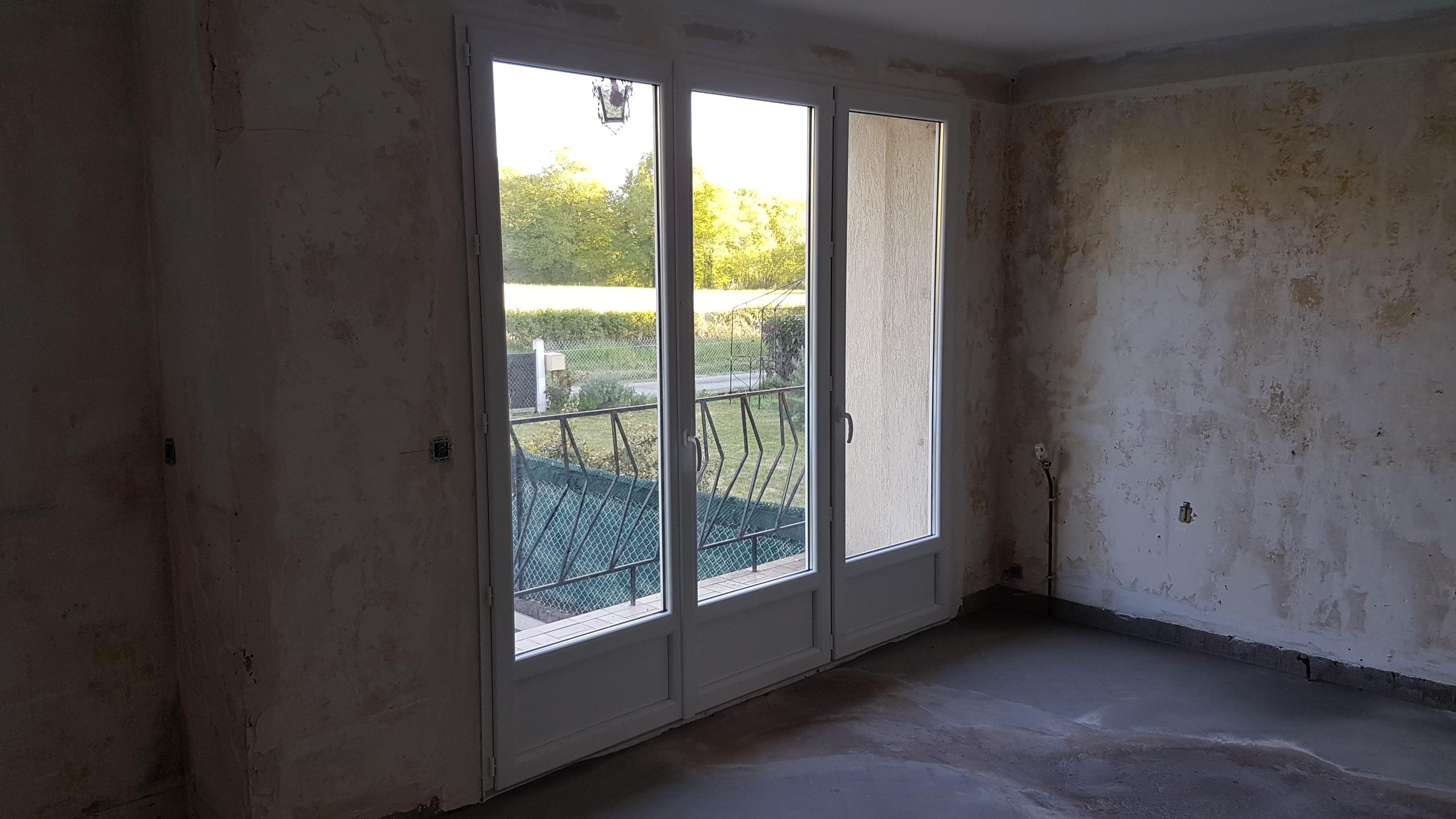 Porte fenêtre 3 vantaux et seuil alu 20mm
