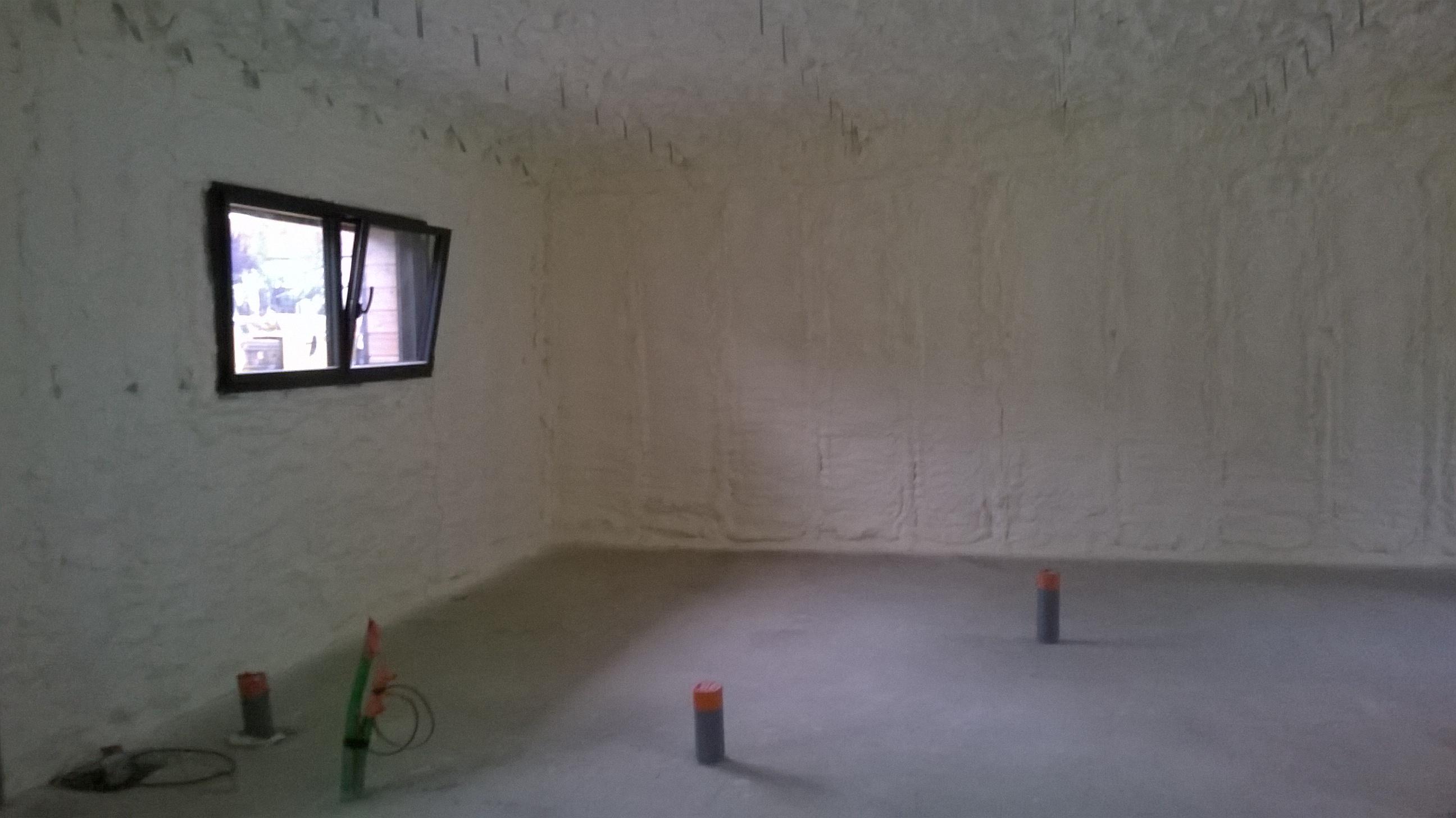 isolation chambre une chambre en cours duisolation with isolation chambre chambre froideu with. Black Bedroom Furniture Sets. Home Design Ideas